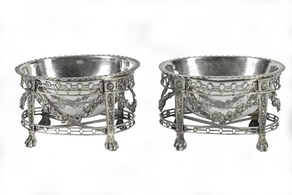 Pair of small silver baskets