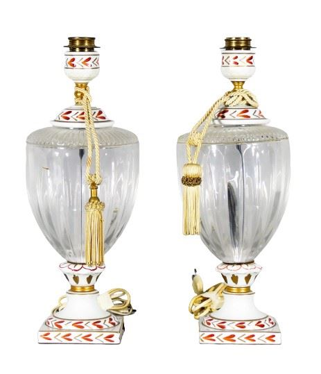 Pair of amphora-shaped lamps