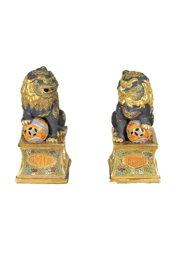 Pair of Japanese Foo Dogs in porcelain
