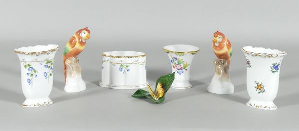 Four jars, two parrots and a Herend porcelain butterfly
