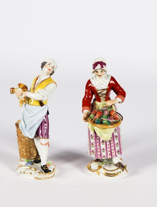 """Coppia di piccole Sculture in porcellana Meissen """"Venditrice di ortaggi e venditore di polli"""""""