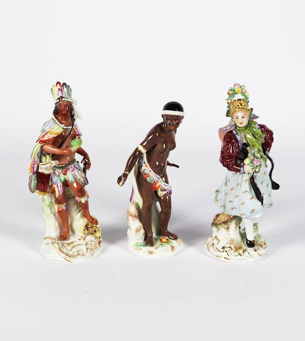"""Tre piccole Sculture in porcellana policroma smaltata Meissen """"Europa, Africa e America"""""""