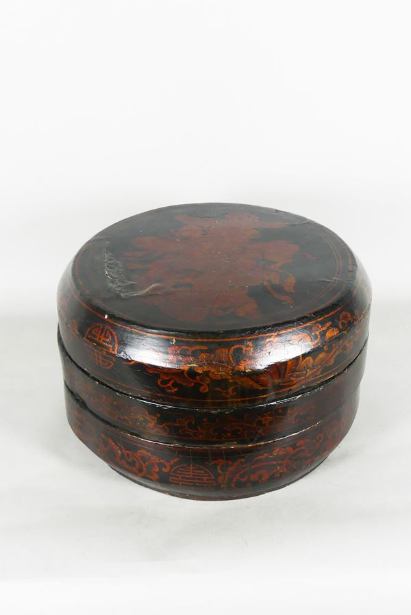 Black lacquered Chinese lunch box