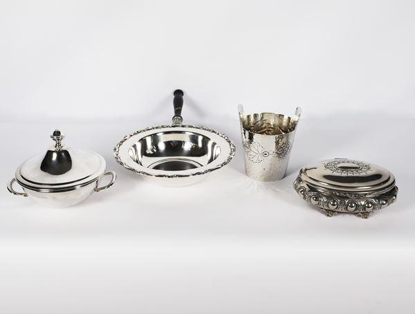 Lot in silver metal (4 pcs)