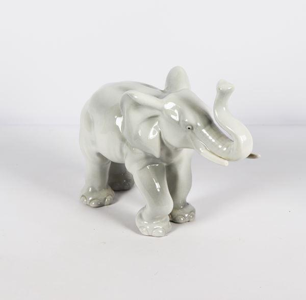 """Elephant"" sculpture in white glazed ceramic"