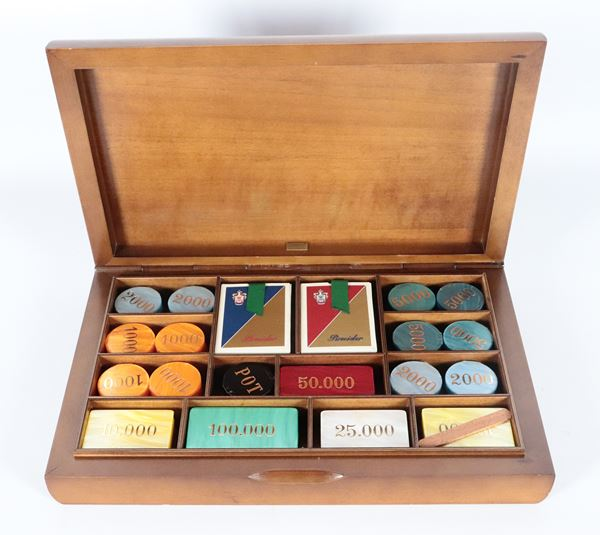 Thuja briar game box from the 1950s