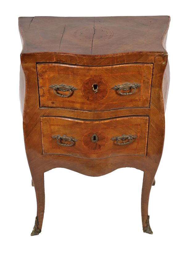Neapolitan bedside table of the Louis XV line in walnut with bois de rose inlays