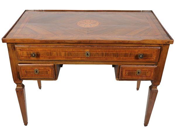 Louis XVI Neapolitan desk in walnut, boxwood and purple ebony