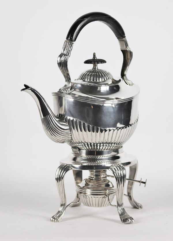 Samovar in Tientsin Yeching sterling silver with 1120 gr