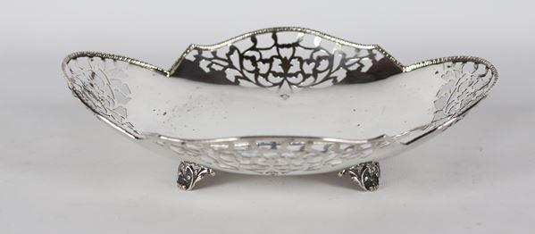 Oval basket in silver 370 g