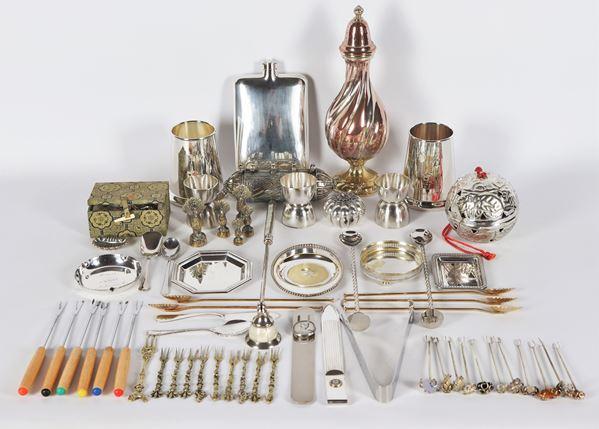 Lot in silver metal