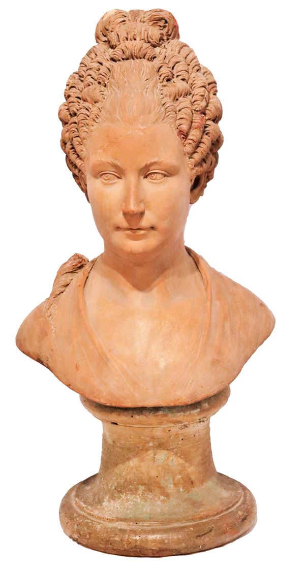 """Antique Bust """"Dama"""" in patinated terracotta"""
