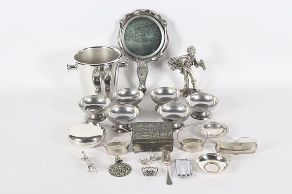 Lot in silver metal