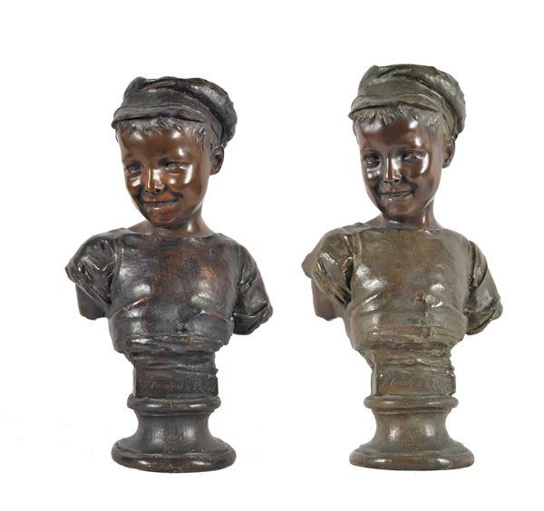 Coppia di antichi busti in bronzo