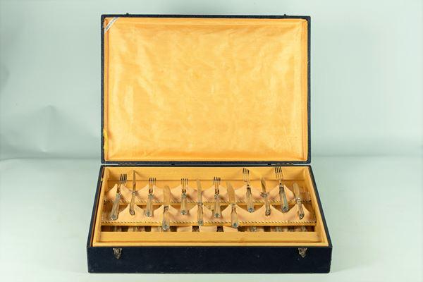 Servizio di posate da dolce con manici in argento