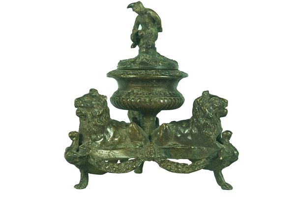 Tuscan inkwell in bronze