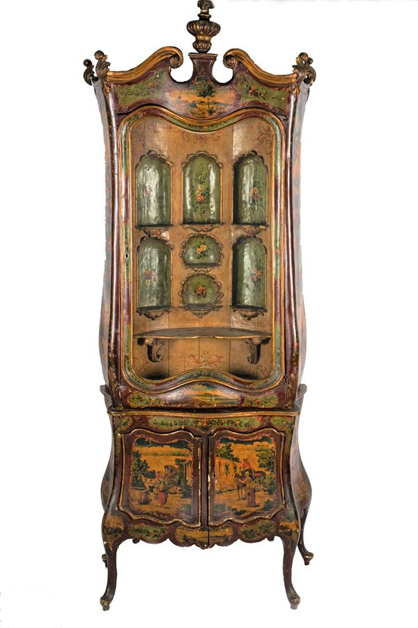 Louis XV line display cabinet in lacquered wood