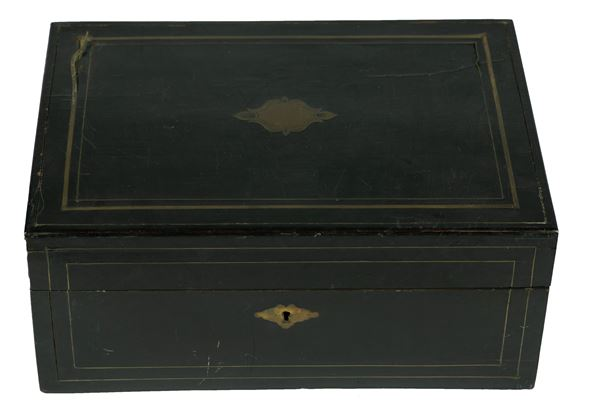 Black lacquered wooden box with golden metal threads