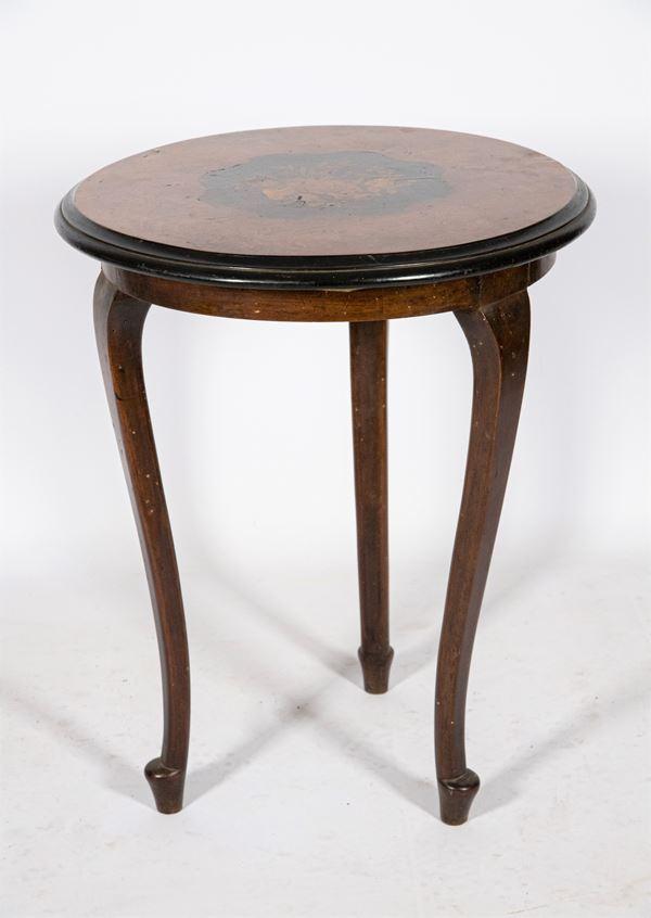 Sorrentino center table in walnut